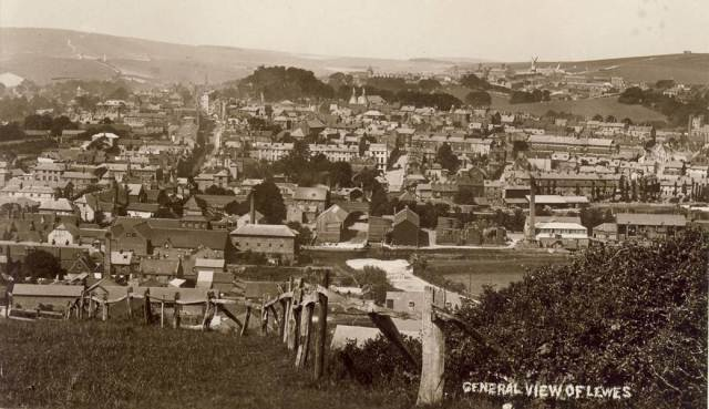 General_view_of_Lewes_postcard