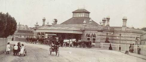 Lewes_Railway_Station_postcard_Cheetham_1