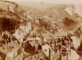 Old_postcard_Chapel_Hill_1900s