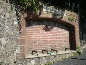 Brick_bench_Chapel_Hill