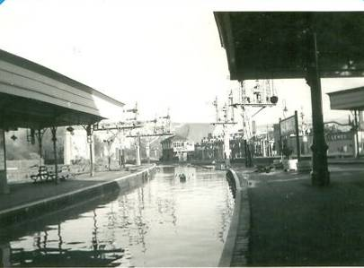 Lewes_floods_1960_Railway_Station