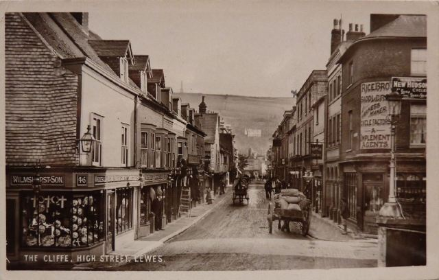 Cliffe_High_Street_Lewes_postcard_postmarked_1907