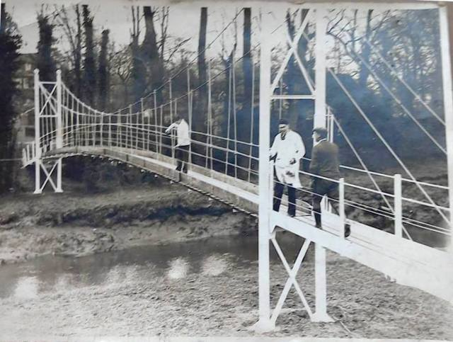 Malling_Deanery_suspension_bridge_painting_Wally_Newman