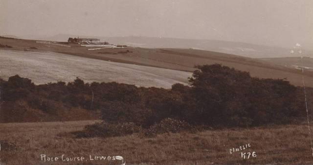 Lewes_Racecourse_postcard