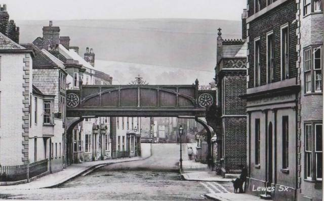 lewes-high-street-railway-bridge-postcard