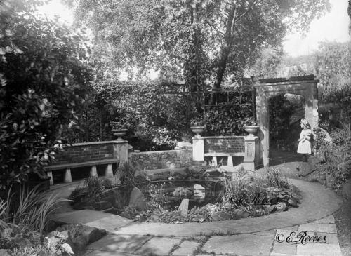 Castlegate House garden, Reeves 1916