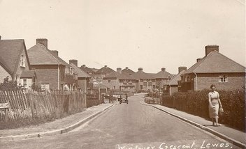 Windover Crescent (Bob Cairns collection)
