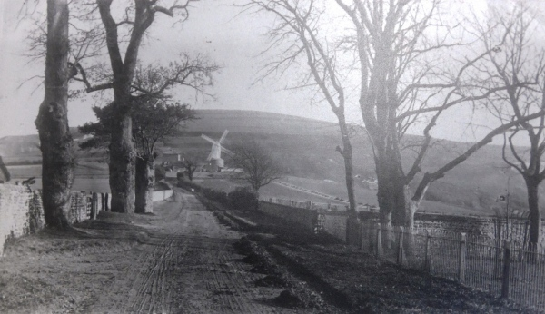 Malling Mill from Church Lane c. 1900